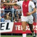 Addio a Johan Cruijff, il Profeta del gol